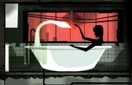 Kobieta w wannie i... miś?